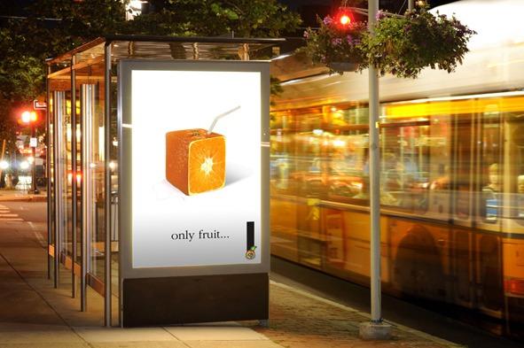 Cartel Vía Pública Only Fruit.... Naranja. Campaña lanzamiento de los zumos de fruta naturales, de Cooperativa Frutícola.